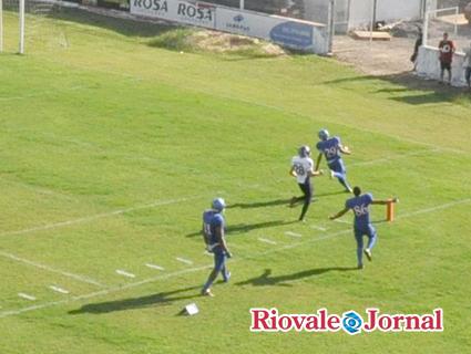 Riovale Jornal    Futebol Americano  Chacais inicia o Campeonato ... 3ad9ec897b668