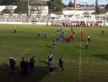 Riovale Jornal    Chacais conquista vitória contra o Porto Alegre Bulls     ESPORTES f5cc40f10d538