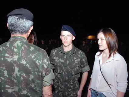 bfbe3522e7e48 Riovale Jornal    Exército Brasileiro  Entrega de boina em noite  comemorativa    GERAL