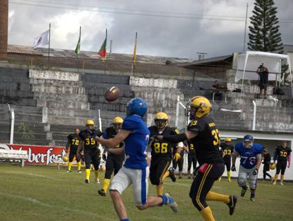 Riovale Jornal    Chacais é líder da Copa Sul    ESPORTES e9e1693eadf3c