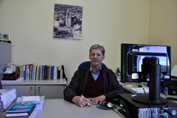 1ba3c3335662d Riovale Jornal    DIA DO TRABALHADOR  Mais de quatro décadas de dedicação     ESPECIAIS