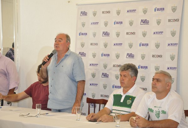 Pronunciamento do presidente Jair Eich no início da temporada do Avenida